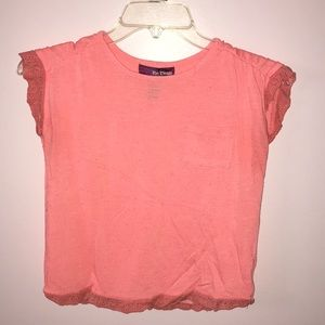 ORANGE AND PINK SHIRT WITH A THICK LACE
